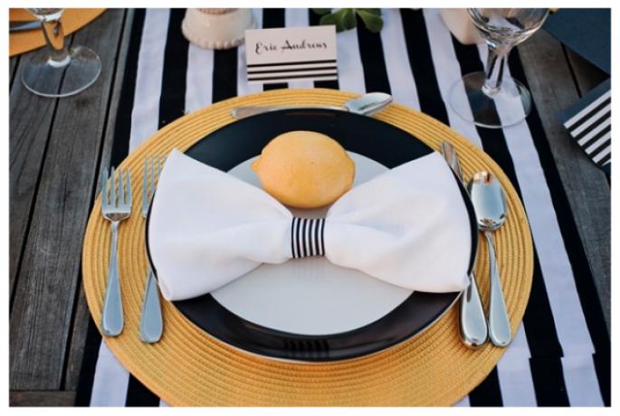 czarny stół weselny