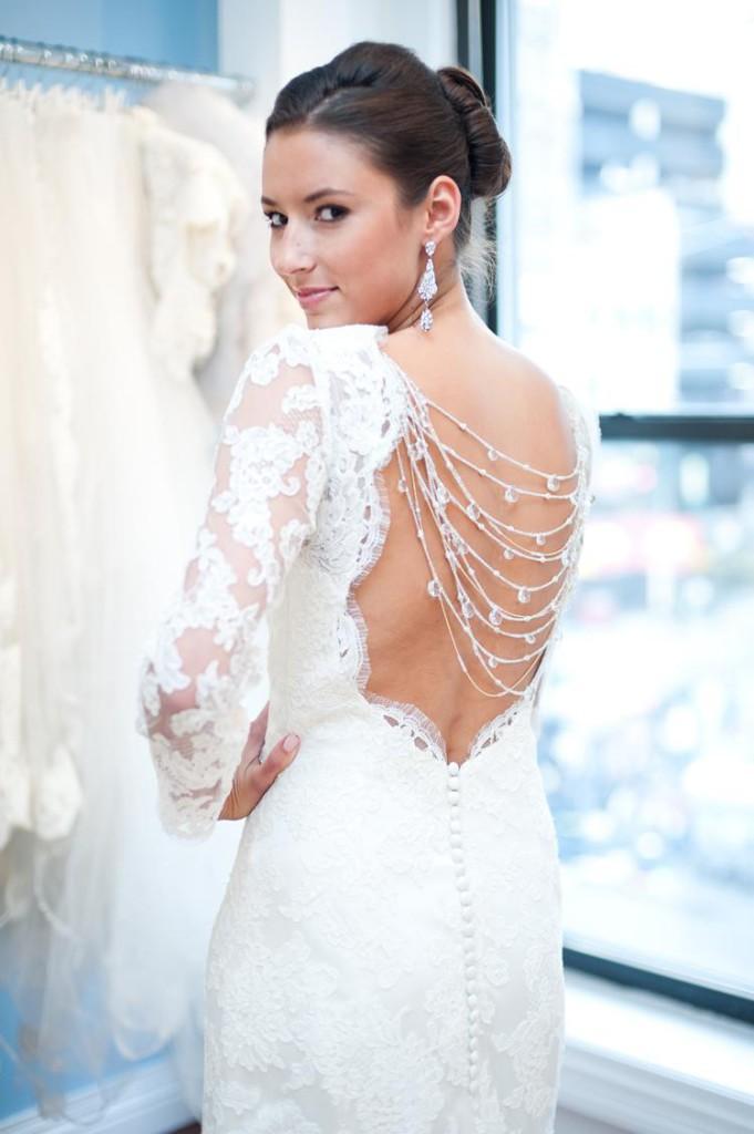 ozdobne-plecy-sukien-ślubnych-suknie-ślubne-z-długim-rękawem