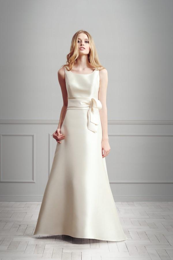 suknie ślubne z kokardą