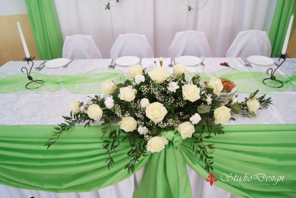 dekoracja stołu świeżymi kwiatami 2014