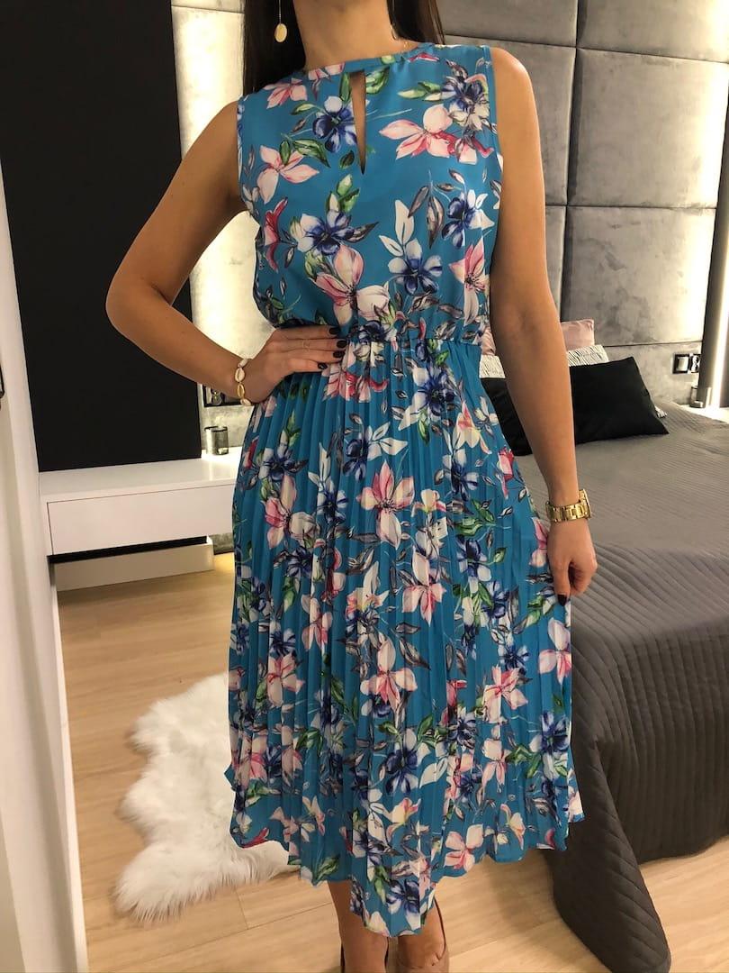 Niebieska Plisowana Sukienka w Kwiaty modnakiecka