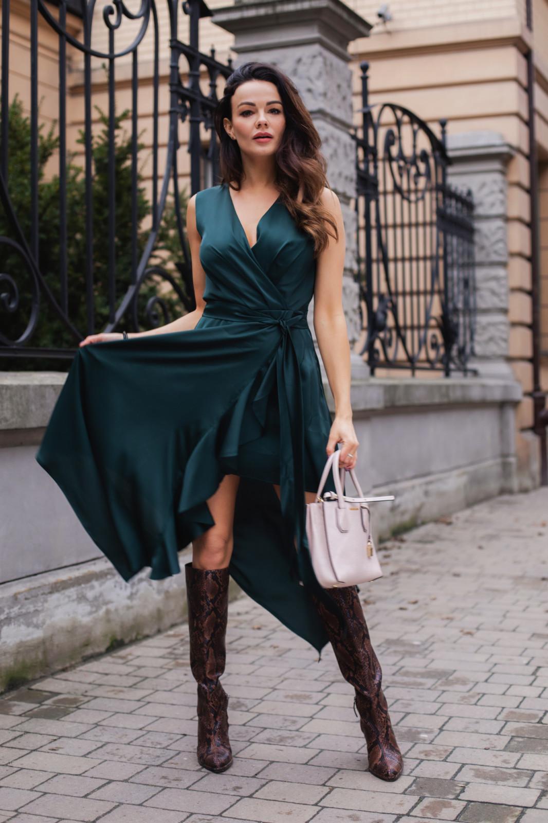 Wiki zwiewna zielona sukienka na wesele-kartes-moda