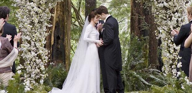 52233f6f1 Bella Swan w sukni ślubnej - Ślub w Białej