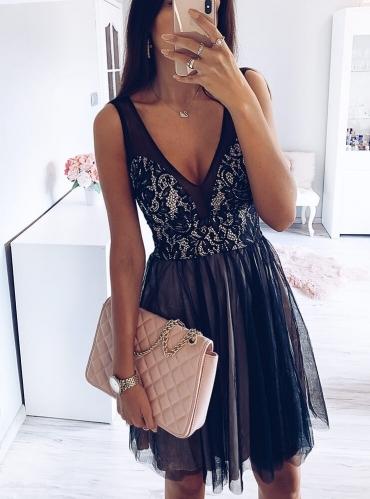 Czarna sukienka Pakuten rozkloszowana mini z tiulem Allani