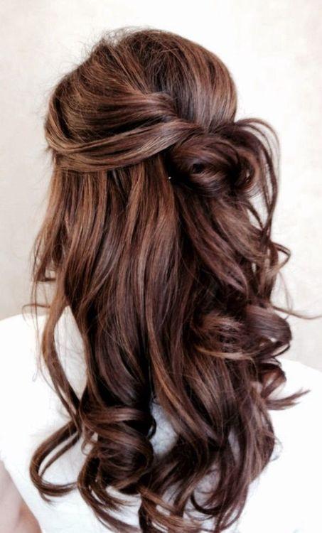 fryzura weselna z fantazyjnym upięciem