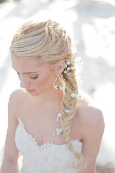 fryzura weselna z warkoczem kłos