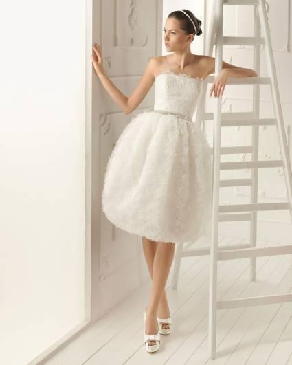 Krótkie suknie ślubne z kolekcji Aire Barcelona 2013.