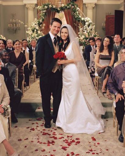 Suknia ślubna Courtney Cox w serialu Przyjaciele