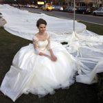suknia z trzykilometrowym trenem