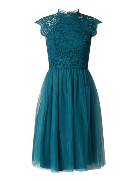 niebieska-sukienka-chi-chi-london-z-krotkim-rekawem-rozkloszowana-mini-allani-peek&cloppenburg