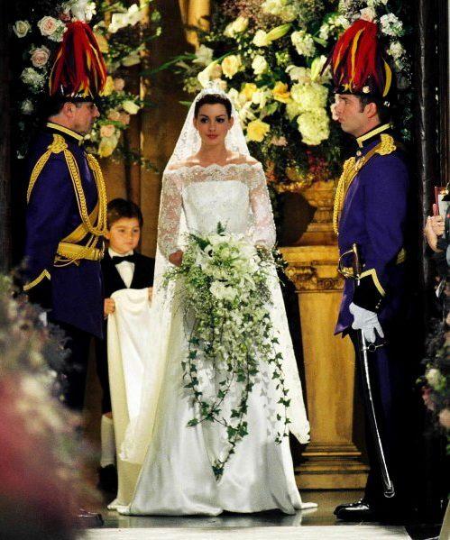 Suknia Anne Hathaway w filmie Pamiętnik Księżniczki