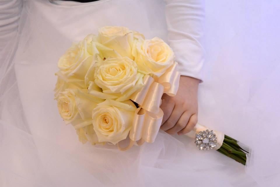 żółta wiązanka ślubna
