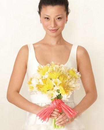 żółto-różowy bukiet ślubny