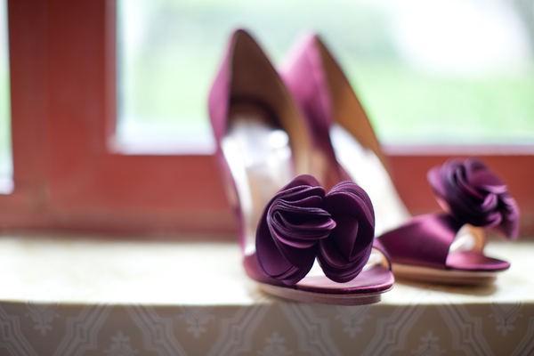 bordowe buty ślubne