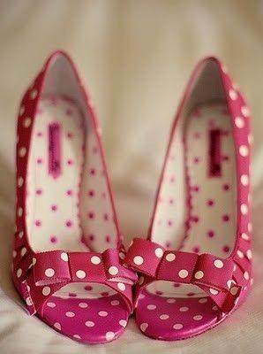 buty ślubne w kropki