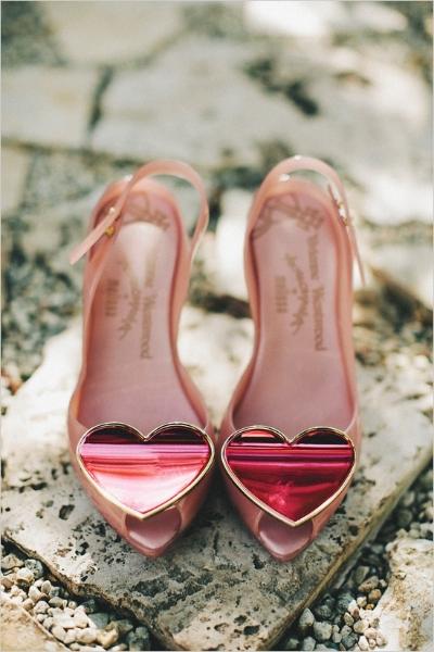 buty ślubne z sercem