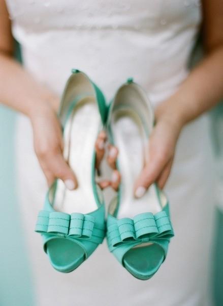 miętowe buty ślubne