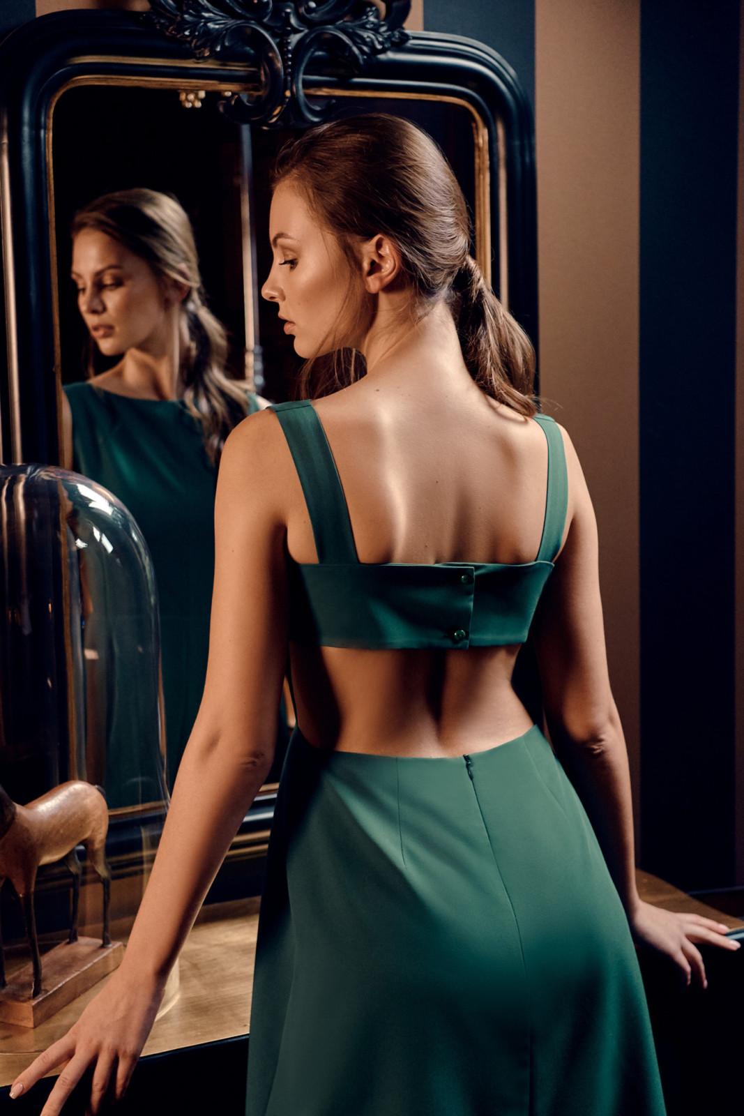 sukienka midi z wyciętymi plecami avocado style