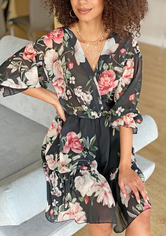 sukienka-z-szyfonu-w-kwiaty-czarna-mosquito-sklep