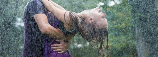 para tańczy w deszczu