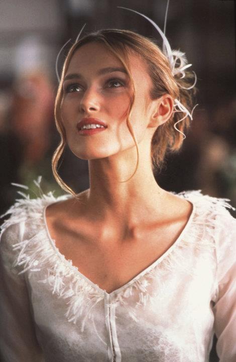 Suknia Keiry Knightley w filmie To właśnie miłość