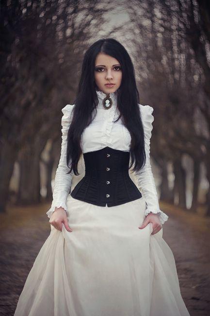 W stylu Halloween mroczne wesele Ślub w Białej