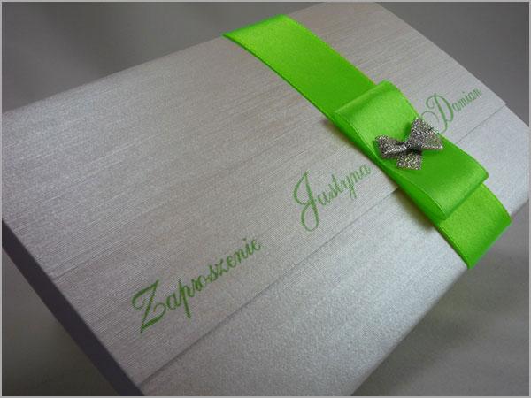 zaproszenia-z zielona wstazka