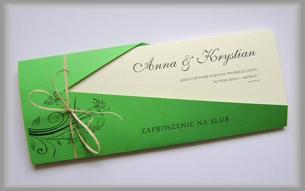 zielona koperta z zaproszeniem na slub